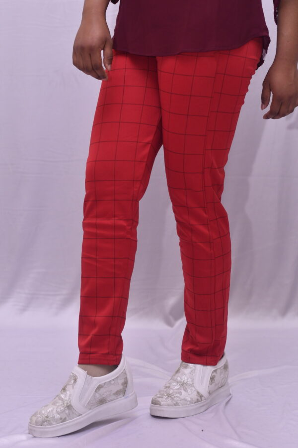 Stretchy red pant